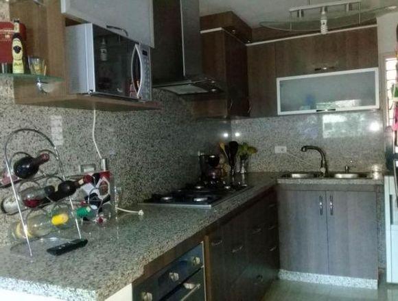 Venta de Apartamento de 75mts2 en el Limón