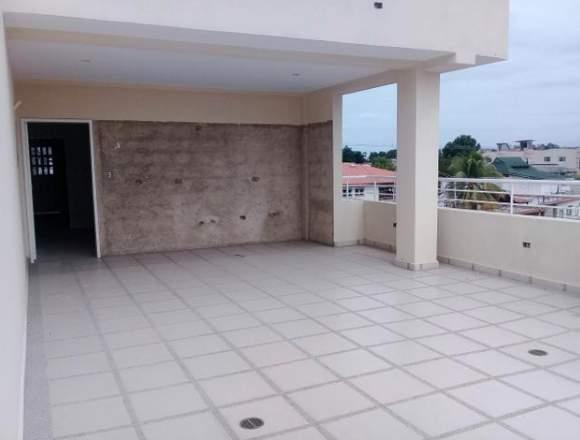 Hermoso Townhouse de 360mts2 en Maracay