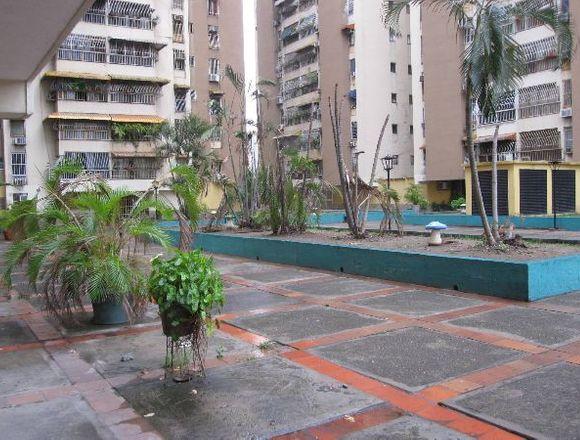 Venta Apartamento 122mts2 en Res.Privadas Maracay