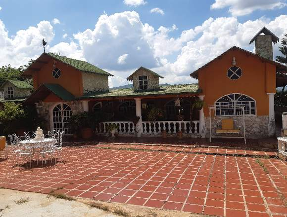 Casa en Venta en Las Morochas San Diego FOA-585