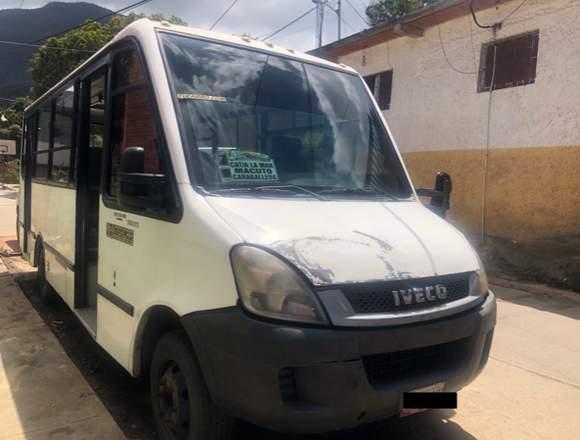 Autobús iveco 70C16