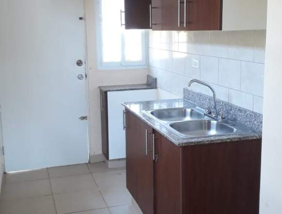 Casa en alquiler , disponible para habitar