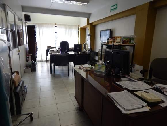 Rento amplio espacio p/ oficinas fábrica o bodega