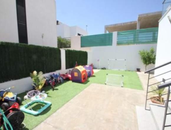 ocasion chalet con piscina y garaje