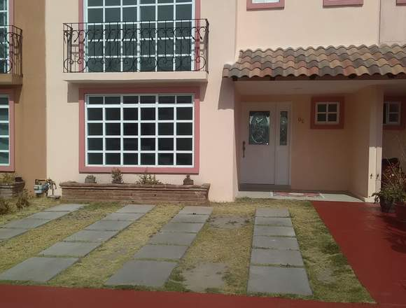 Preciosa Casa en Condominio Horizontal