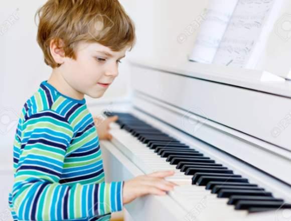 Clases de piano especial para niños y jovenes