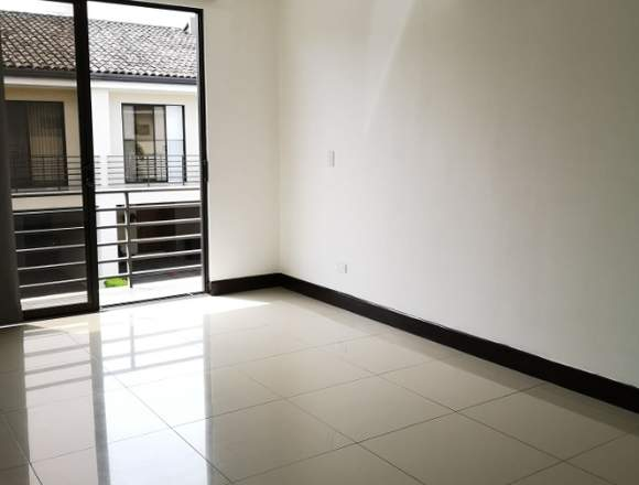 Se alquila o vende linda casa en Condominio