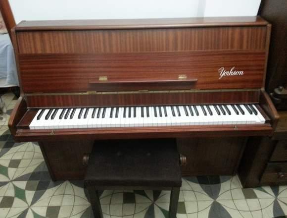 PIANO VERTICAL DE MARCA YORKSON