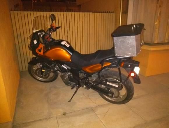 Suzuki Dl650 con muy poco uso