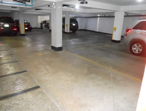 Alquilo estacionamiento cochera garaje San Borja