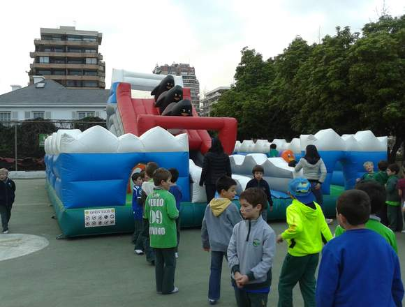 Juego inflable Pinguino gigante