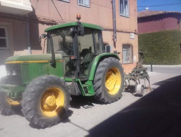 Tractor John Deere 6110
