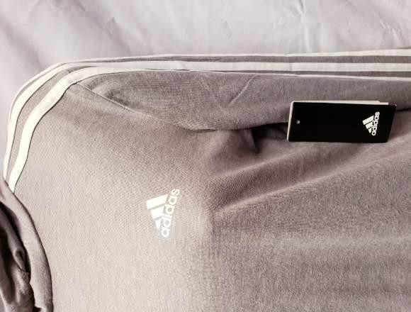 Blusa Adidas Nueva100% Original deportiva o casual