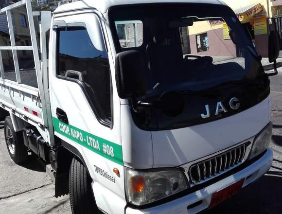 Vendo camion JAC  con puesto de trabajo