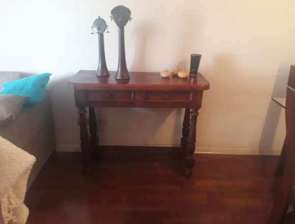 Mueble arrimo de madera