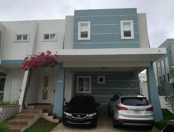 18-2960 AF En Brisas del Golf se vende linda casa