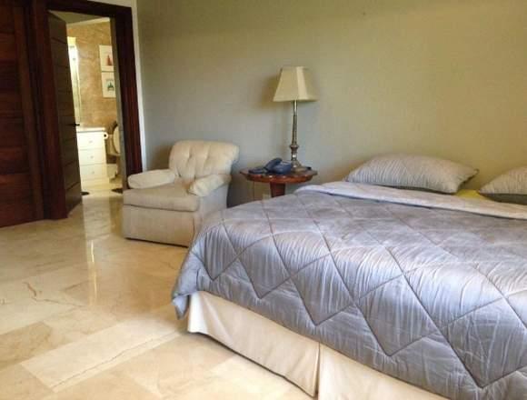 18-3941 AF Compre bella casa amoblada en Clayton