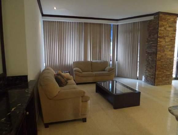 18-8014 AF En Obarrio se vende gran apartamento