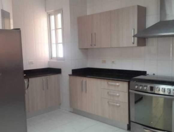 19-597 AF Compre gran casa en Costa Sur
