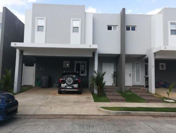 19-2801 AF Casa amoblada Brisas del Golf se vende