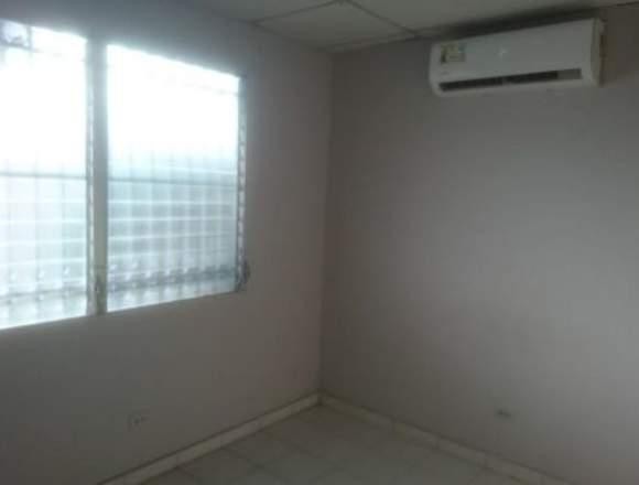 19-5162 AF Amplia casa se vende en Chanis