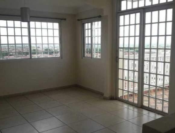 19-5861 AF Se vende gran casa en Brisas del Golf