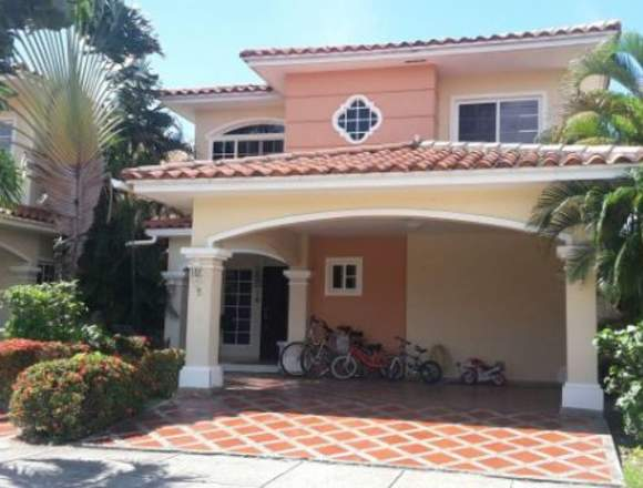 19-6587 AF Casa amoblada en Costa Sur se vende