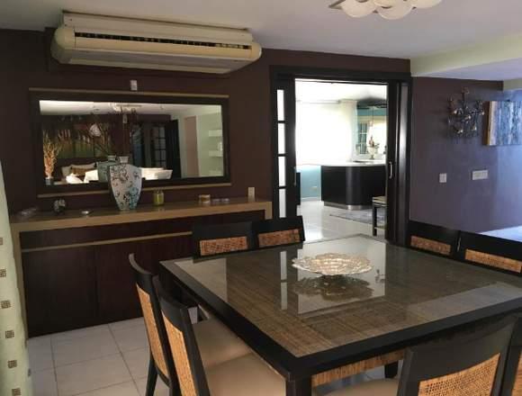 19-7049 AF Imponente casa se vende en Coronado