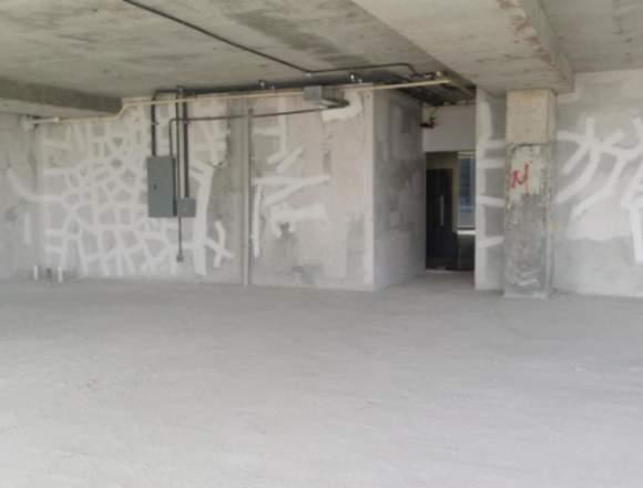 19-7207 AF Compre amplia oficina en Santa María