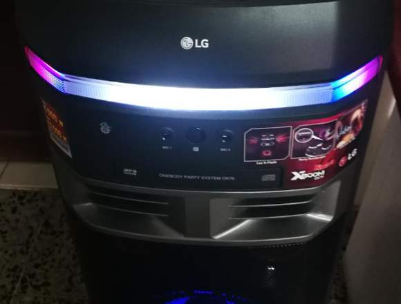 Torre de Sonido LG XBOOM OK75
