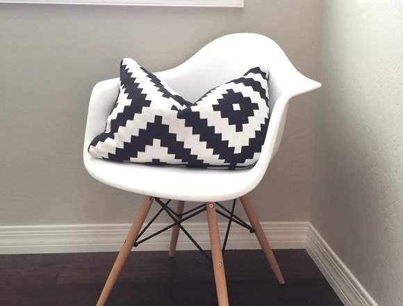 Alquiler sillas Eames con brazaos
