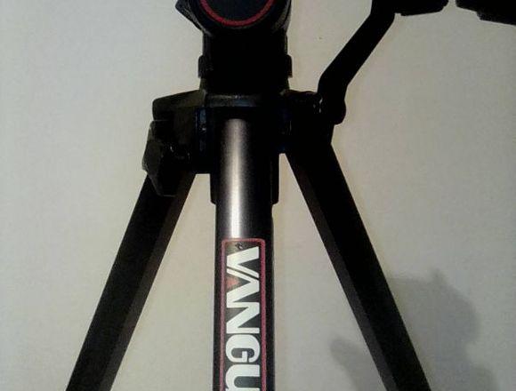 Trípode Vanguard para cámaras y filmadoras