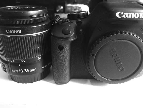 Cámara Profesional Canon T3i más Lente 18-55mm