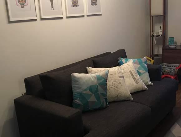 Sofa color marengo en buen estado