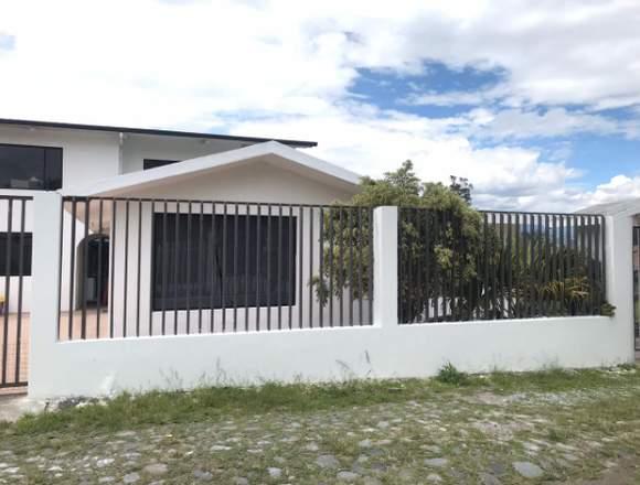 Se Arrienda Casa en Puembo