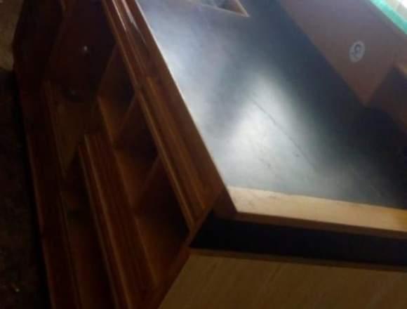 Se vende mueble para recepción precio negociable