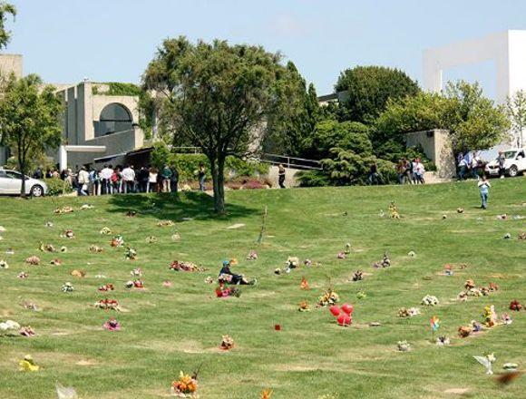 Vendo Sepultura en Cementerio Parque del Mar