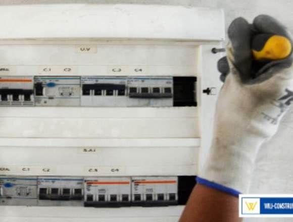 FONTANEROS, ELECTRICISTAS Y CERRAJEROS 24H