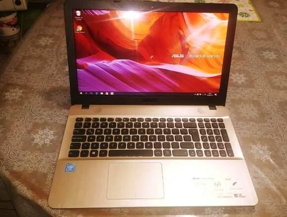 Laptops seminuevas Asus 6ta generación a S/.690