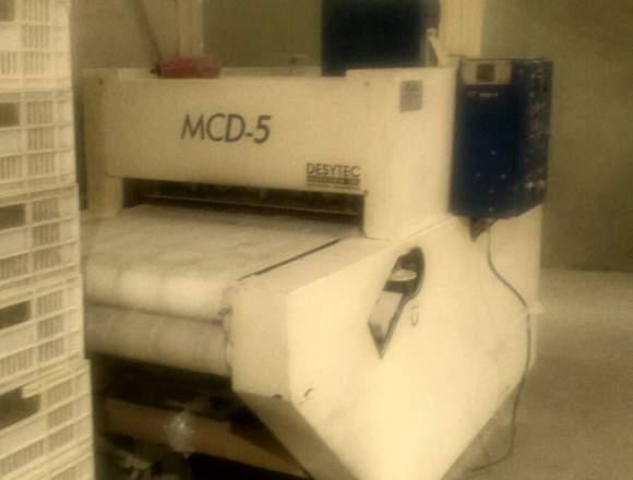 maquina cortadora de tapas de empanadas ( usada)