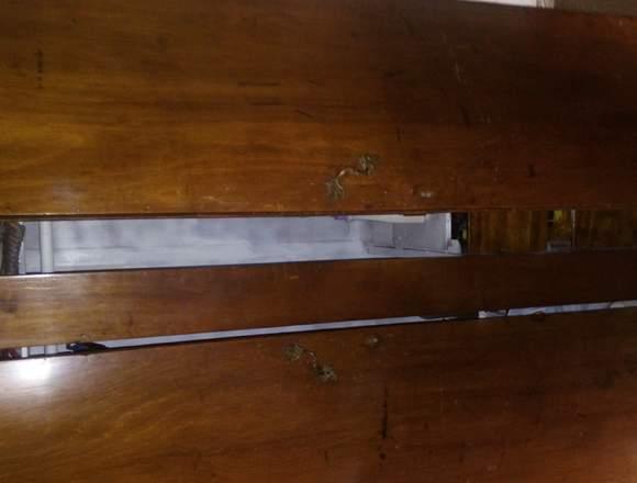 Ropero antiguo usado en buen estado