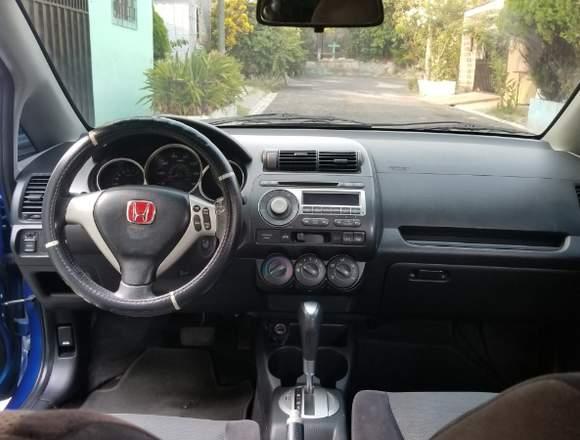 Honda Fit ano 2007 141.000 km