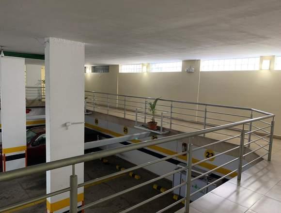 Apartamento 3 Habitaciones, 1 Estudio Y 2 Garajes