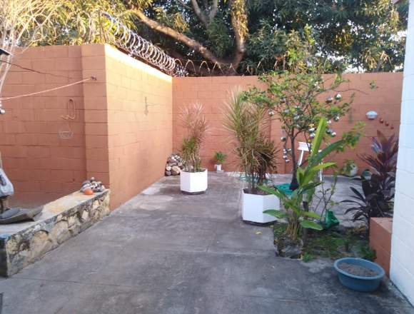 CASA EN RES.PRIVADO ALTOS DEL BULEVAR