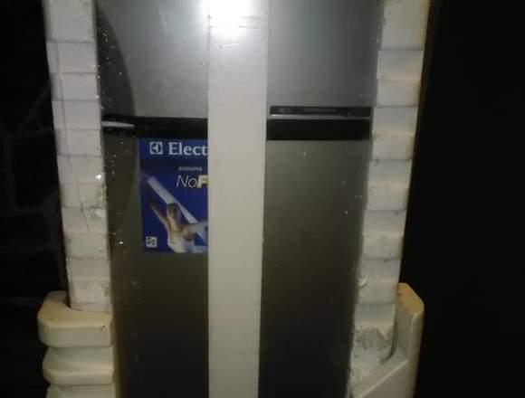 nevera electrolux 21 pies modelo 7200 platino