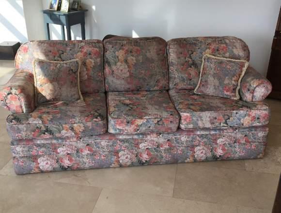 Sofa 3 cuerpos  floreado