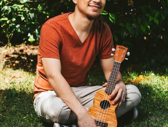 Clases Guitarra/Ukelele Online/Músico profesional