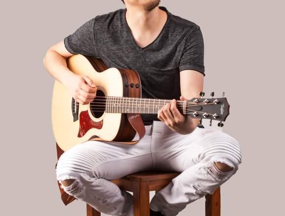 Clases Online de Guitarra o Ukelele/Musico