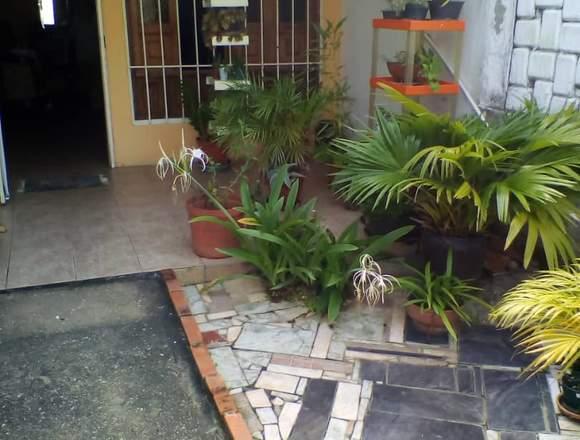 En venta casa ubicada en Urb. Los Cardones.