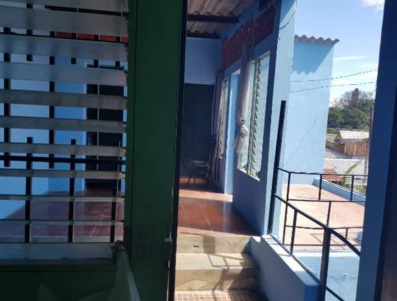 Casa de 2 Plantas en Colonia El Molino Santa Ana